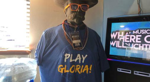 play gloria.jpg